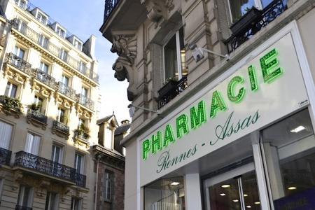 Медицина во Франции: в Париже женщина пролежала в коридоре больницы 12 часов и умерла