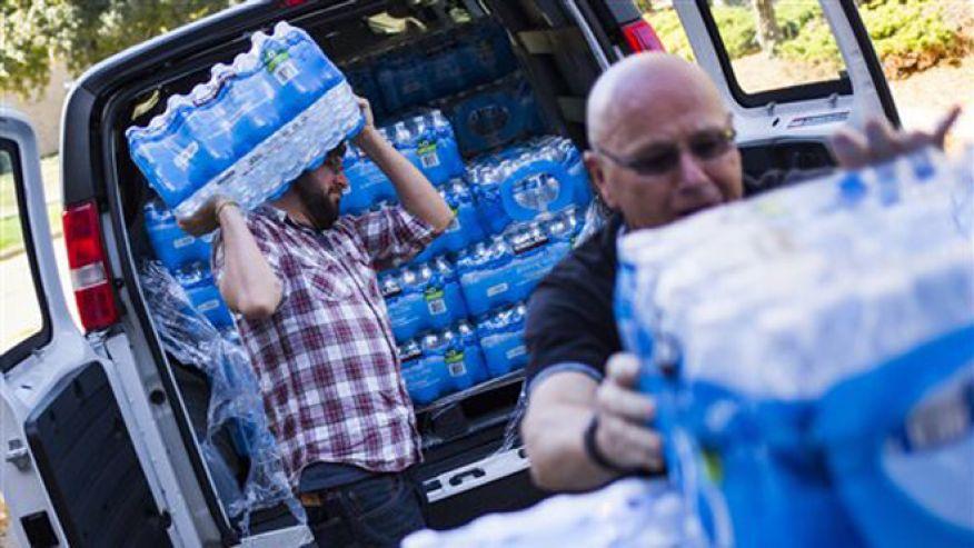 Флинт, Мичиган: объявлена чрезвычайная угроза здоровью жителей из-за экономии на водопроводе (Podvalny)