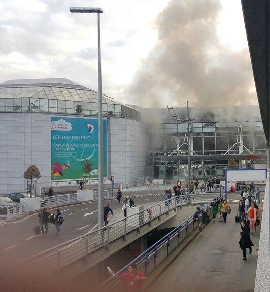 СМИ: два взрыва прогремели в аэропорту Брюсселя (Fanatic)
