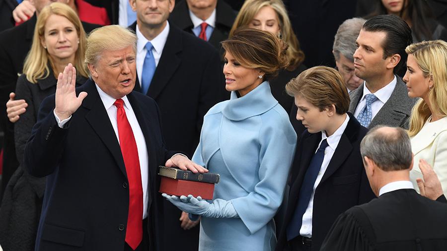 Хроника пикирующего... Полная речь Дональда Трампа во время инаугурации. (T-Rex Undead)