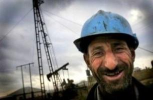 Iran and the Caucasus: Добыча нефти в Азербайджане катастрофически снижается (виталька)