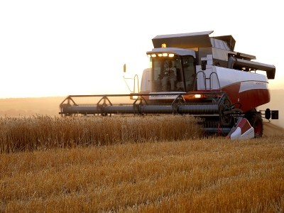 Обзор рынка сельхозмашиностроения и автомобильной техники за 2015 год. (кислая)