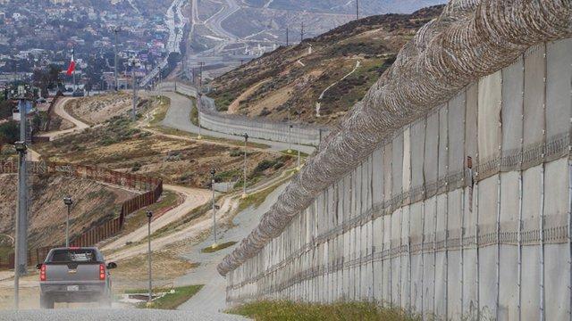 Проверка фактов: Действительно ли стена на границе с Мексикой необходима? (Калифорниец)