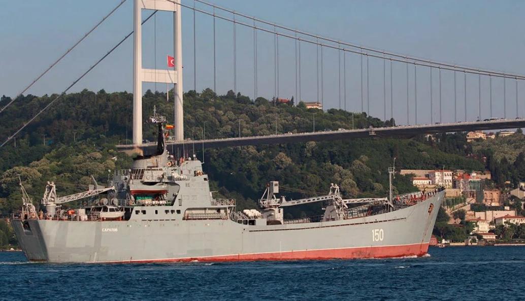 """""""Сирийский экспресс"""". Очередной транспортный корабль с грузом для сирийского контингента. Фото Star7"""