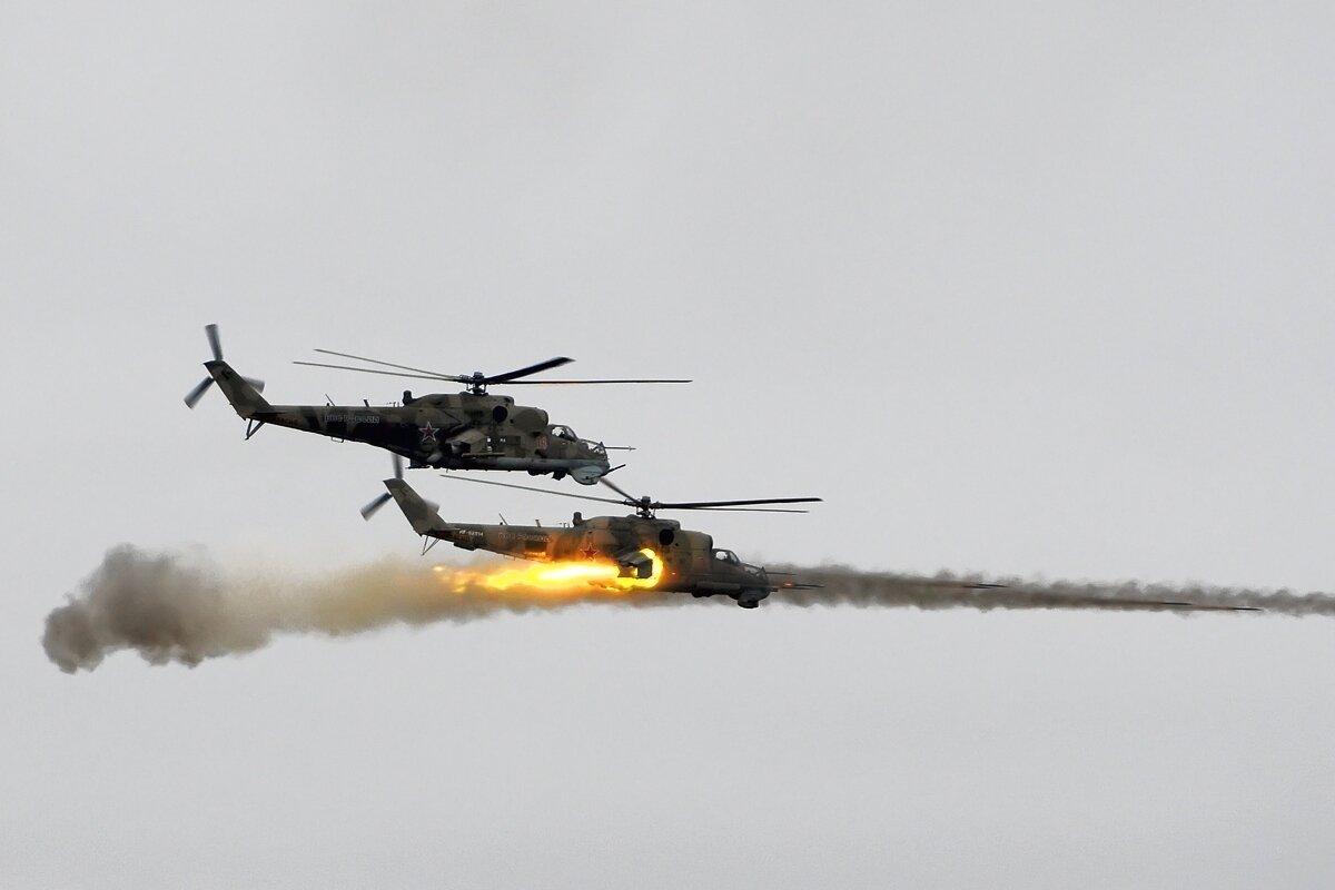"""Работают """"крокодилы"""". Грозная """"карусель"""" российский вертолетов частенько была последним, что видели особо упорные бармалеи"""