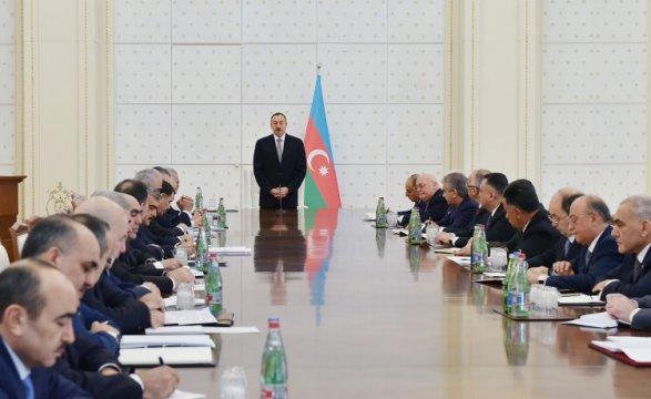 США объявляют Азербайджану холодную войну (Lumiminc)