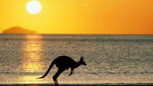 Над всей Австралией безоблачное небо эгейн (Тояма Токанава)