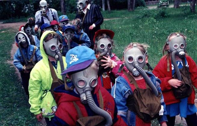 А ваши дети уже получили противогазы в школе? (skif-99)