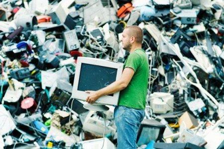 Запланированное устаревание, или как нас обманывают корпорации (Олег Макаренко)