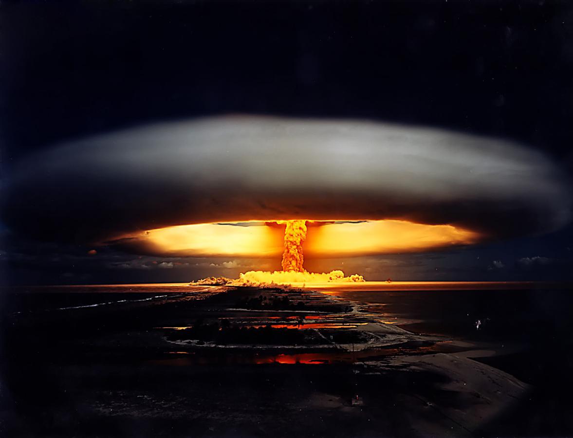Лицемерие вокруг ядерного противостояния России и США (Иван Рощепий)
