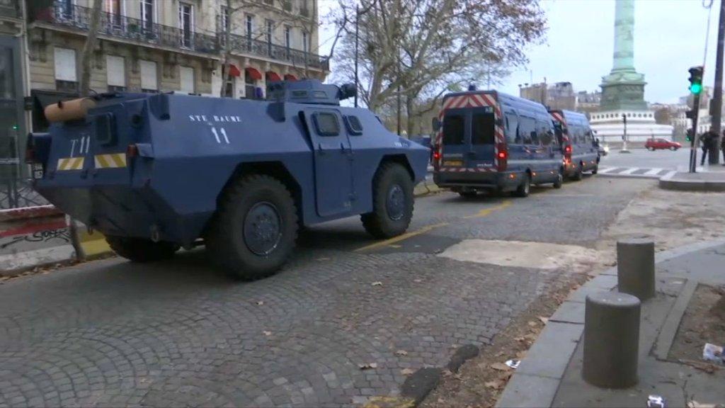 """Французы предпочитают скидывать видео протестов RT, а не своим """"СМИ"""" (Bazyaka)"""