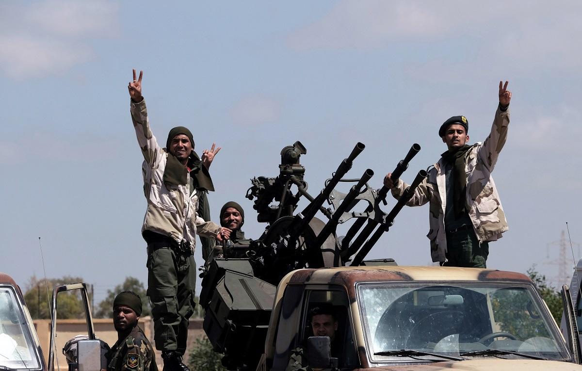 Россия начала наведение порядка в Ливии (Руслан Осташко)