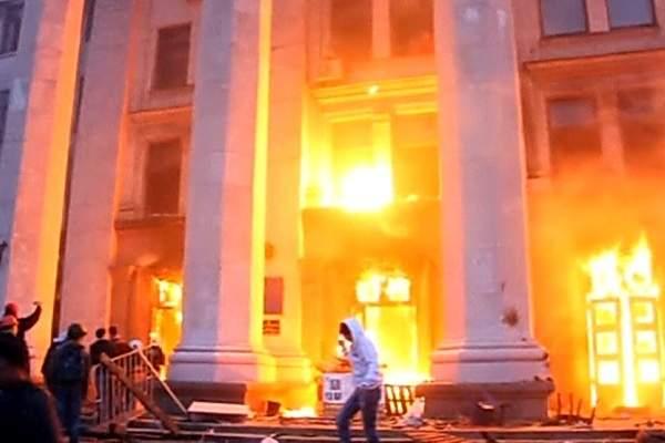 Бежавший в Донбасс эксперт-криминалист: Гибель людей в одесском Доме вызвана боевым отравляющим веществом (Ден4к)