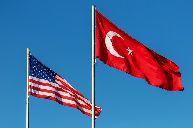 Турция намерена создать с США постоянные военные базы в Сирии (oracle)