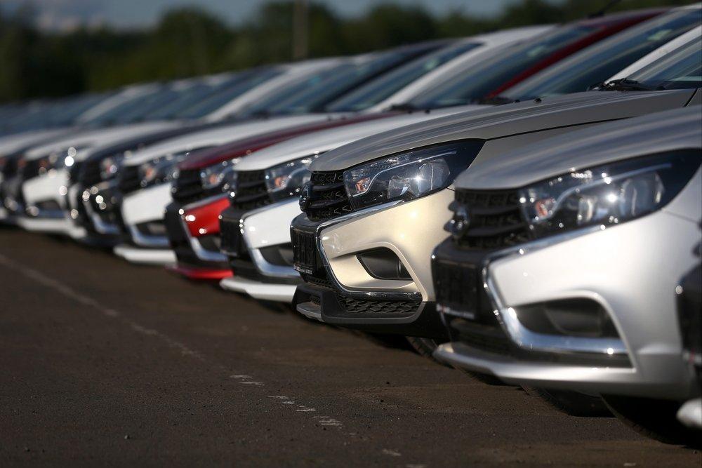 Продажи автомобилей в России в 2018 году выросли почти на 13% (Дмитрий Шкарин)