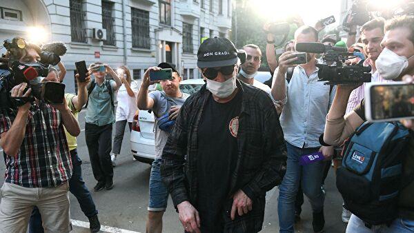 Михаил Ефремов не считает себя виновным в ДТП (sgerr)