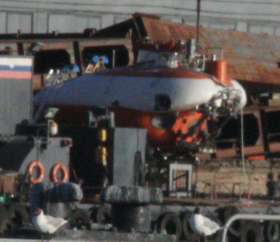 Три строящихся атомных ледокола и глубоководный аппарат как пример мирной в целом направленности в судостроении Русского сектора Земли. (ВладиславЛ)
