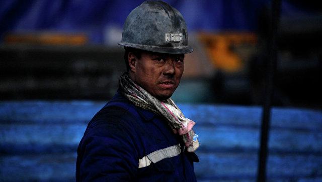 Китай в 2017 году закроет более 500 угольных шахт (Bledso)