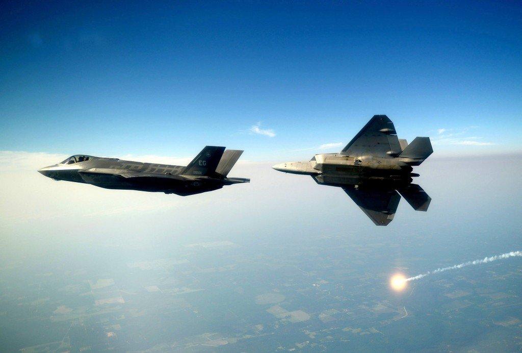 ВВС США не рассматривают заказ F-15X или гибрида F-22/F-35 (Bledso)