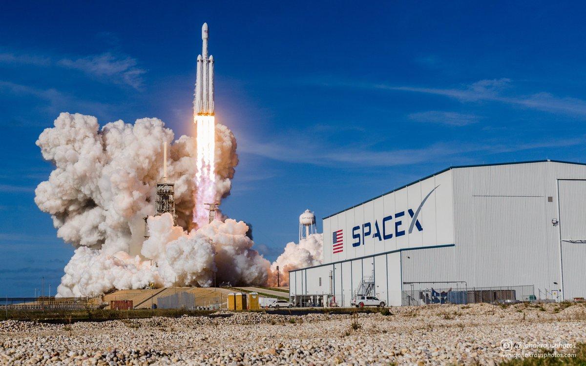 ВВС США отчислили SpaceX из своего конкурса (Bledso)
