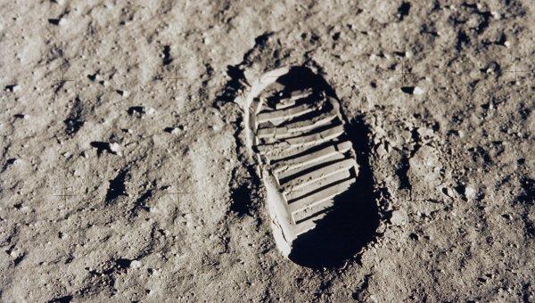 Российские инженеры запланировали запуск к Луне спутника для фиксации следов высадки астронавтов (dimashi)