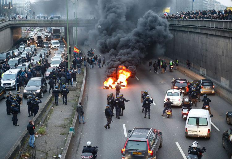 Франция: Нанесен мощнейший удар по индустрии туризма, падение в десятки процентов (alexsword)