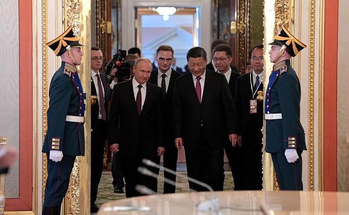 Путин & Цзиньпин: В мире идут небывалые перемены, будем расширять использование рубля и юаня (alexsword)