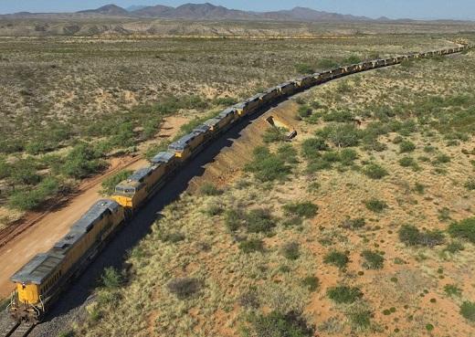 США: Железнодорожные грузоперевозки рухнули в апреле на 11.8% (alexsword)