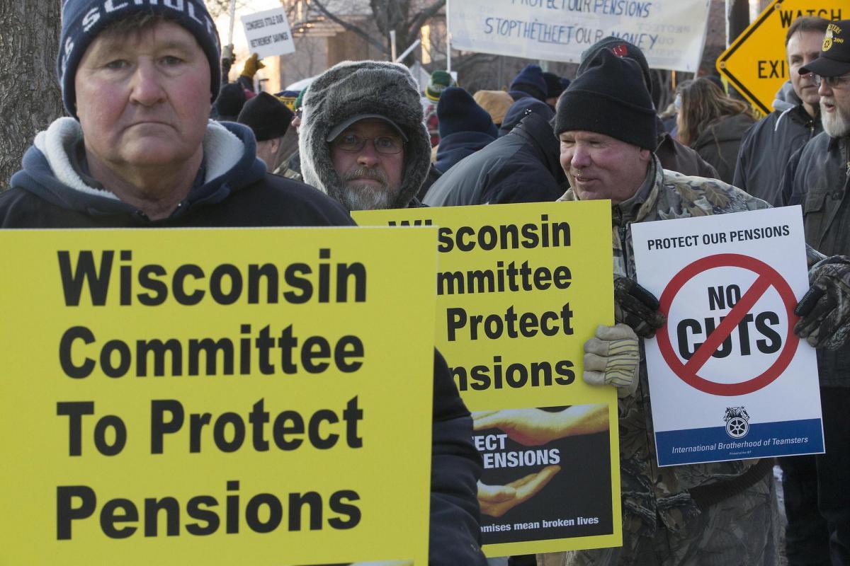 """Один из самых больших пенсионных фондов США требует бейлаут: """"Иначе пенсии превратятся в ничто"""" (alexsword)"""