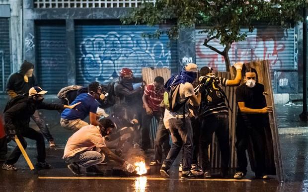 Мэр столицы Венесуэлы: Голод разрастается, люди охотятся на собак и котов (alexsword)