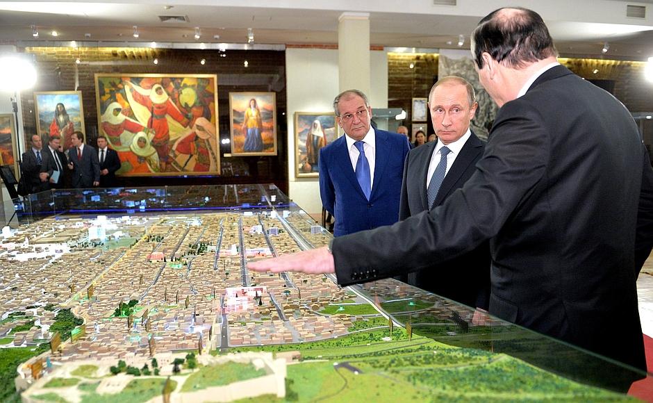 """Путин: Запугать нас невозможно, от закупок за """"нефтедоллары"""" будем переходить к своему производству (alexsword)"""