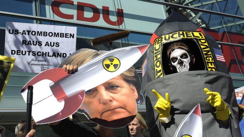 В Германии возобновляются дискуссии об американском ЯО (damadilumax)